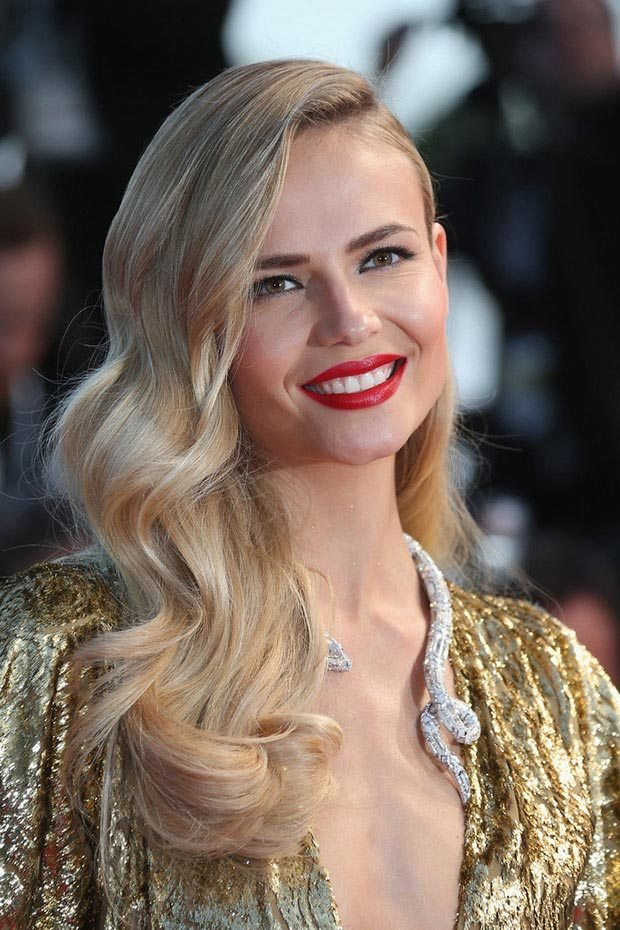 The Best 10 Wedding Guest Hairstyles For Summer Fashionisers Pictures