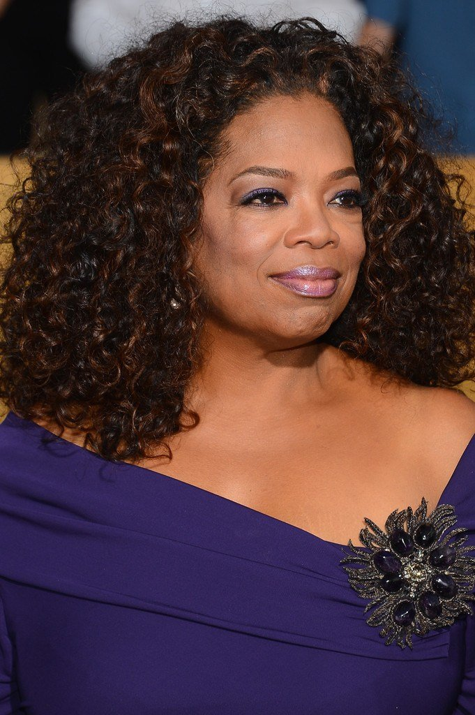 The Best Oprah Winfrey Medium Curls Oprah Winfrey Looks Stylebistro Pictures