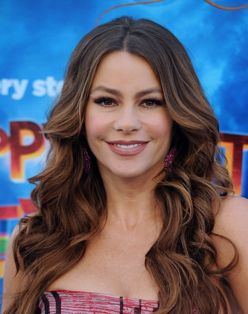 The Best Sofia Vergara Long Wavy Cut Sofia Vergara Hair Looks Pictures