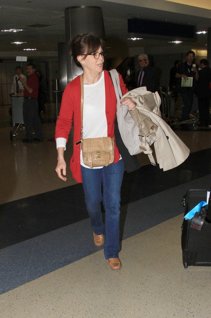 The Best Sally Field Classic Jeans Sally Field Looks Stylebistro Pictures