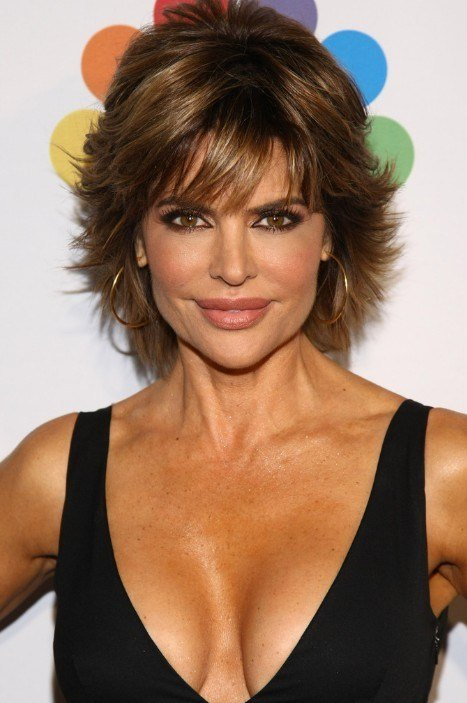 The Best Short Layered Haircut For Thick Hair Lisa Rinna Pictures