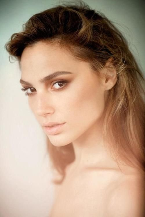 The Best Gal Gadot Hair Color Hair Colar And Cut Style Pictures
