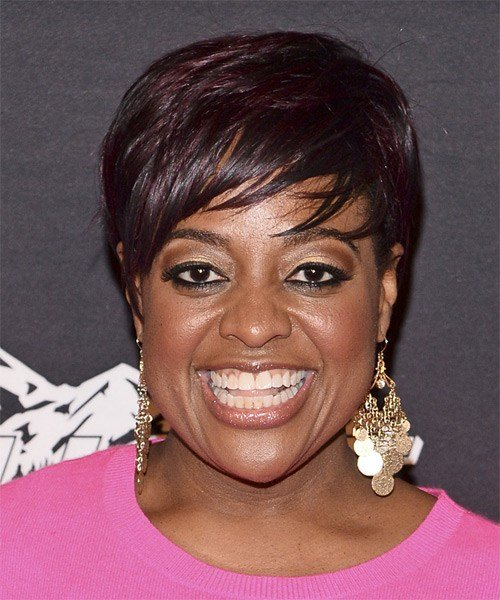 The Best Sherri Shepherd Short Straight Casual Hairstyle With Side Pictures