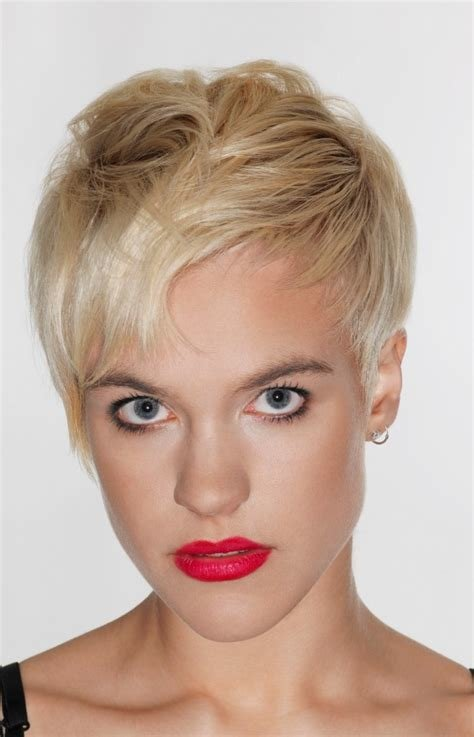 The Best Short Layered Pixie Haircut For Inverted Triangle And Pictures