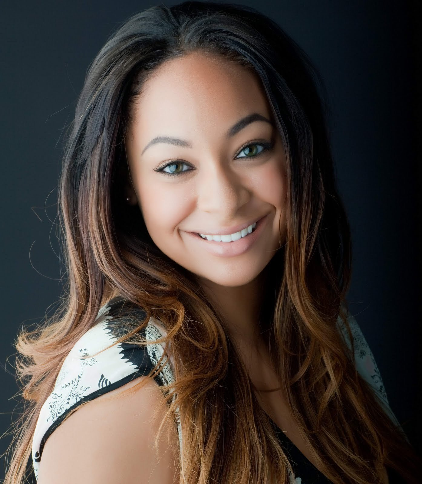 The Best Raven Symone Hairstyles Pictures