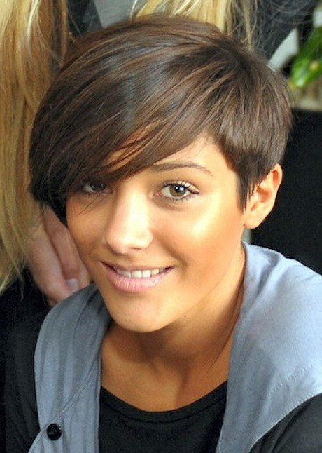 The Best Frankie Sandford Hairstyle Pictures