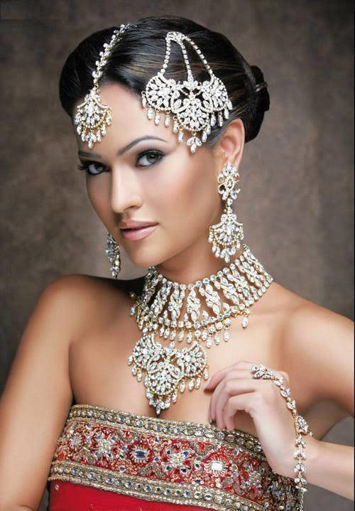 The Best Indian Style Makeup And Hairstyle Looks For Brides Pictures