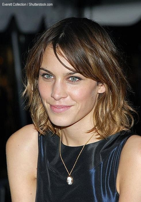 The Best Alexa Chung Hairstyles Pictures