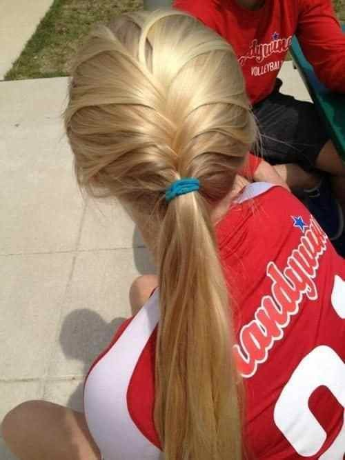 The Best 7 Easy Ways To Do Your Hair For Sports Pictures