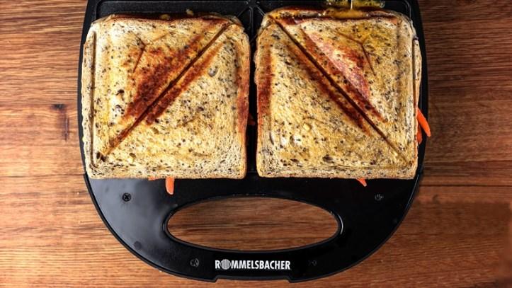 Kichererbsen-karotten-Sandwich im ST 710 Sandwich Toaster von Rommelsbacher