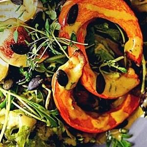 Herbstsalat mit Kürbis und selstgemachten Kürbisöl