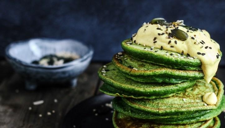 Spinat Pancakes mit Curry topping - Teig aus dem Rommelsbacher Standmixer