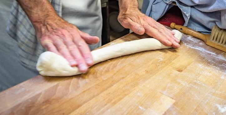 White Sticks - Brotrezept der Expedition Backrohr - Backen eines englischen Baguettes