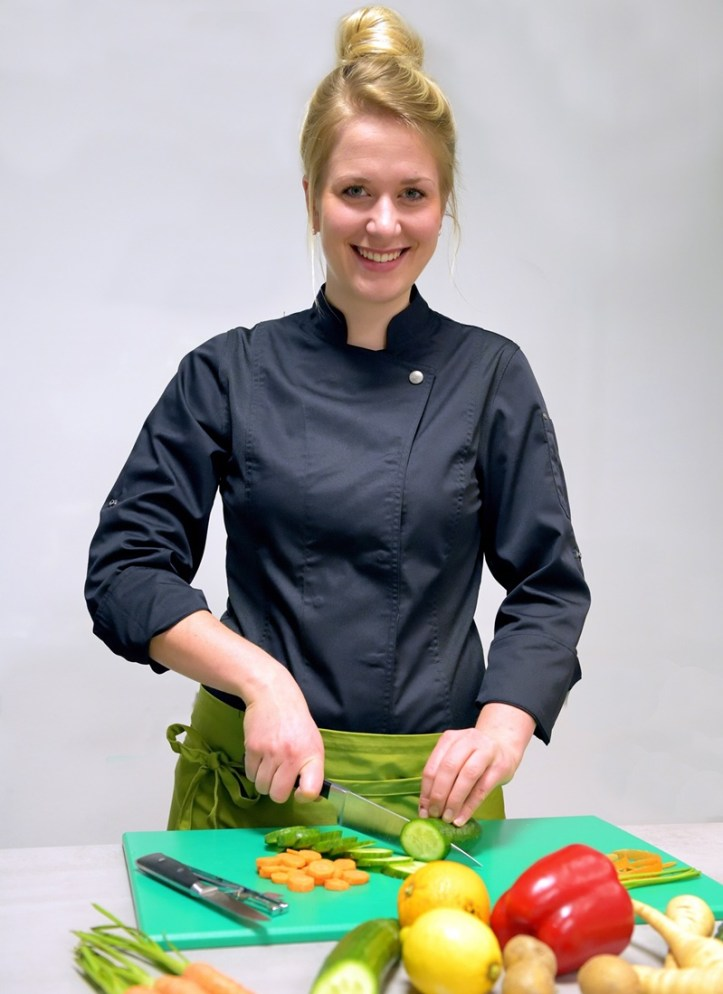 Magdalena Eißner, Ernährungstherapeutin, zu Gast bei Rommelsbacher, mit dem Rezept: Rotes Knäckebrot.  Beitrag: Knäckebrot Herzen & fröhliche Ernährungstherapie