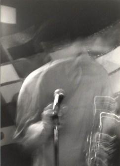 mindless singing – Jeff Roberts photo from 22nd St Jazz Cafe c. 1998