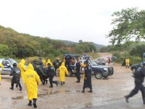 Bloquean habitantes de Boca del Río el basurero Municipal (2)