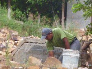 Pleito entre vecinos de la colonia San Martín por construcción de muro de contención (4)