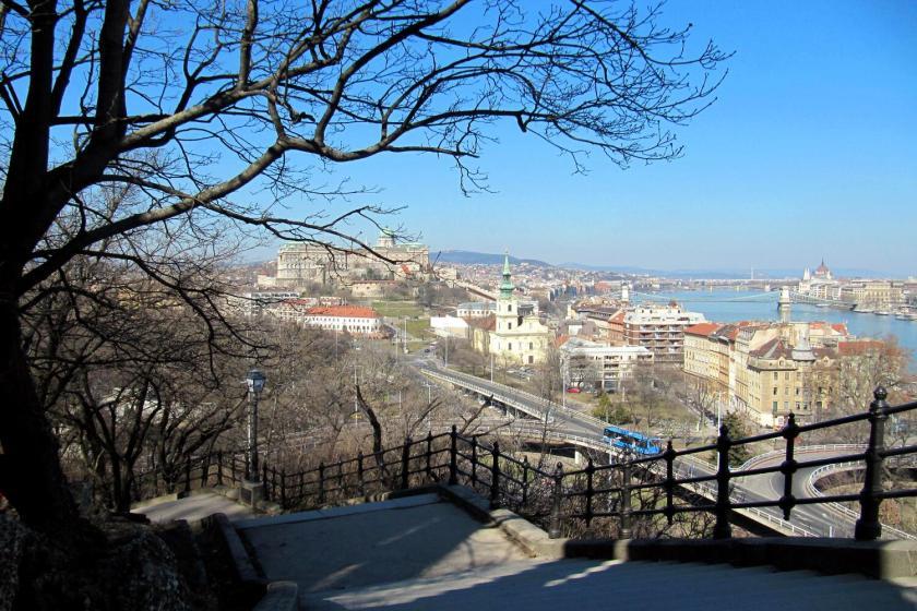 Uitzicht vanaf de Gellertheuvel