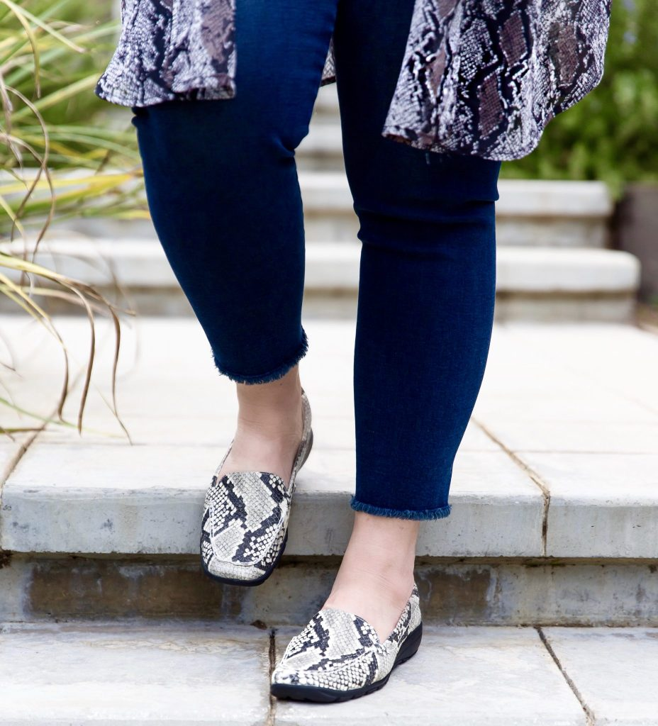 I am excited to announce that I have been chosen as an Influencer Brand Ambassador for the fashion meets comfort shoe brand Easy Spirit