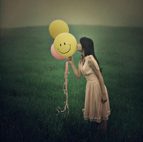 Girl with Smile ballon