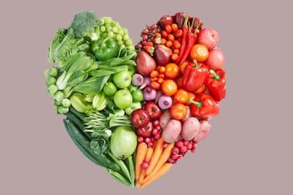 Früchte, Gemüse - daraus werden handliche Riegel gefertigt.