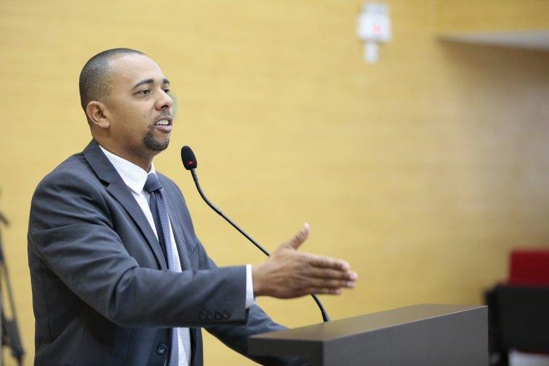 SOLICITAÇÃO AO GOVERNO: Jhony Paixão solicita recuperação da estrada para Aeroporto e Nova Colina