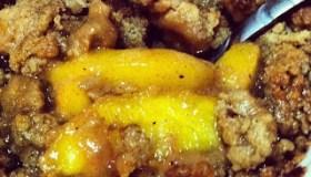 Easy Peach Cobbler Crisps
