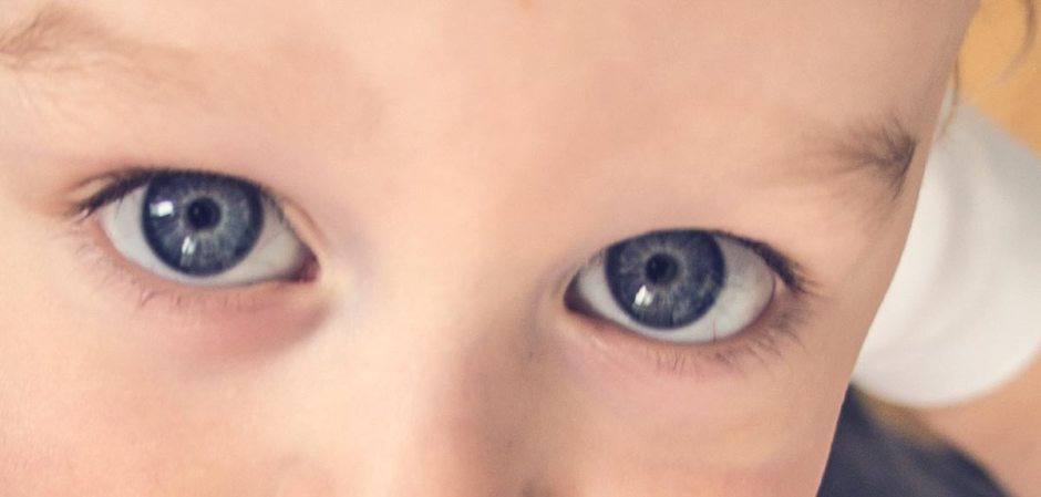 Syn patrzy w moje oczy