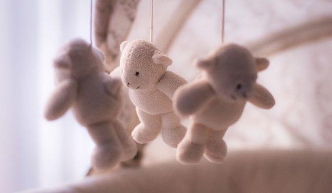 Pocieszając płaczące dziecko, zwiększasz jego odporność na stres w dorosłym życiu