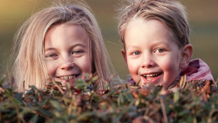 Faworyzowanie jednego dziecka jest powszechne wśród rodziców – to naukowo udowodnione!