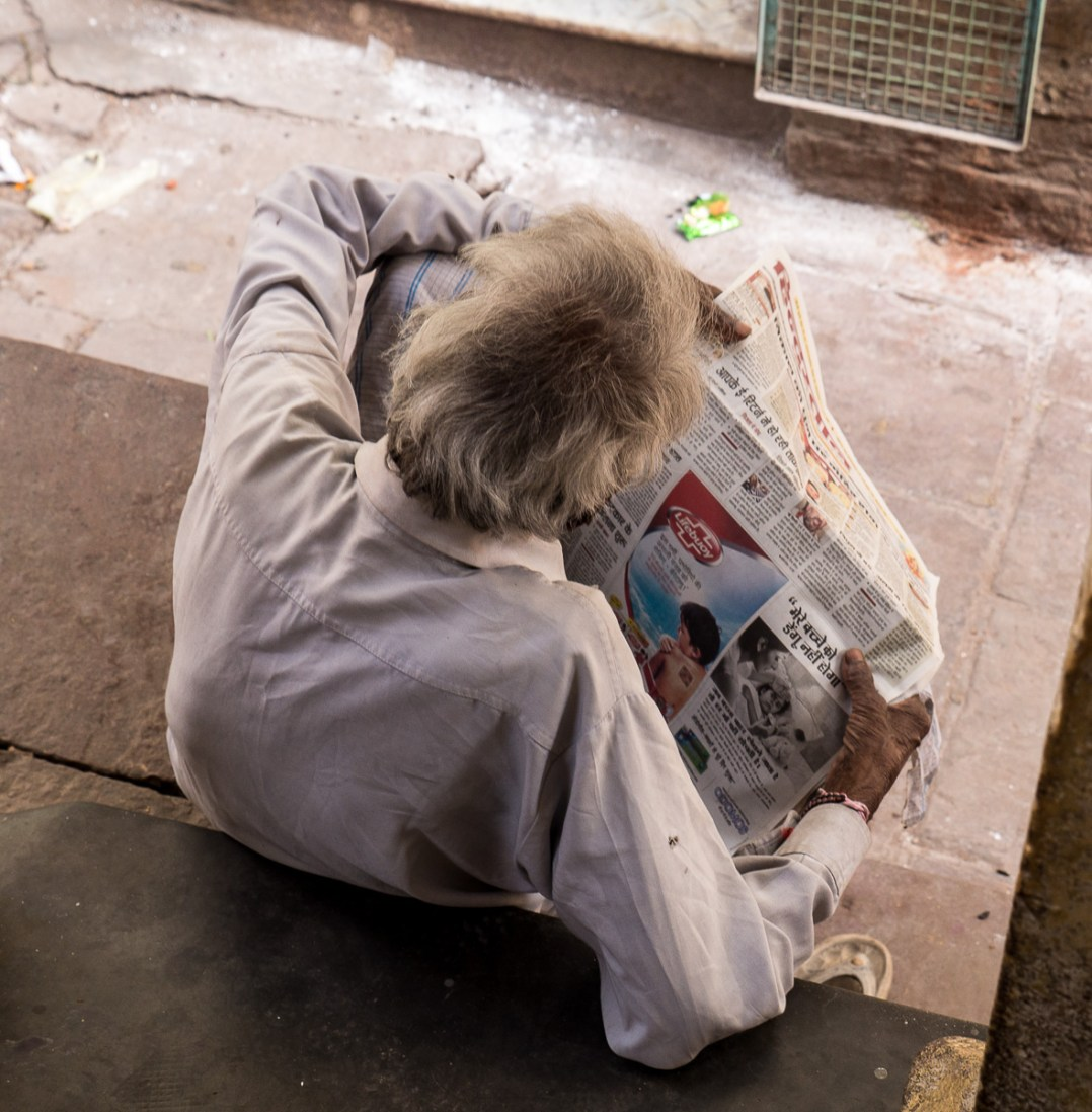 http://publishingperspectives.com/wp-content/uploads/2013/06/Hours-Spent-Reading-Around-the-World.jpg