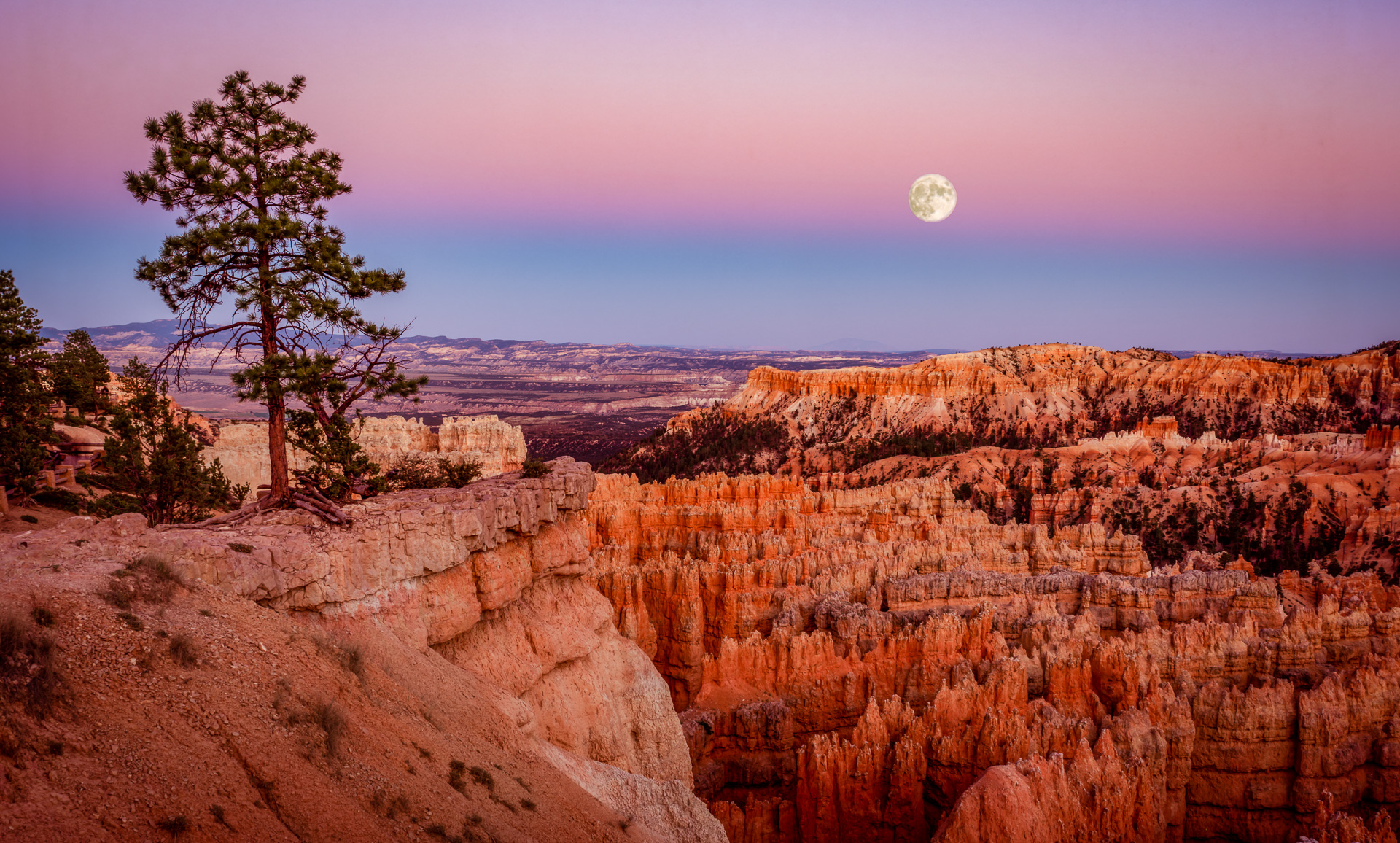 Bryce Canyon Moon rise