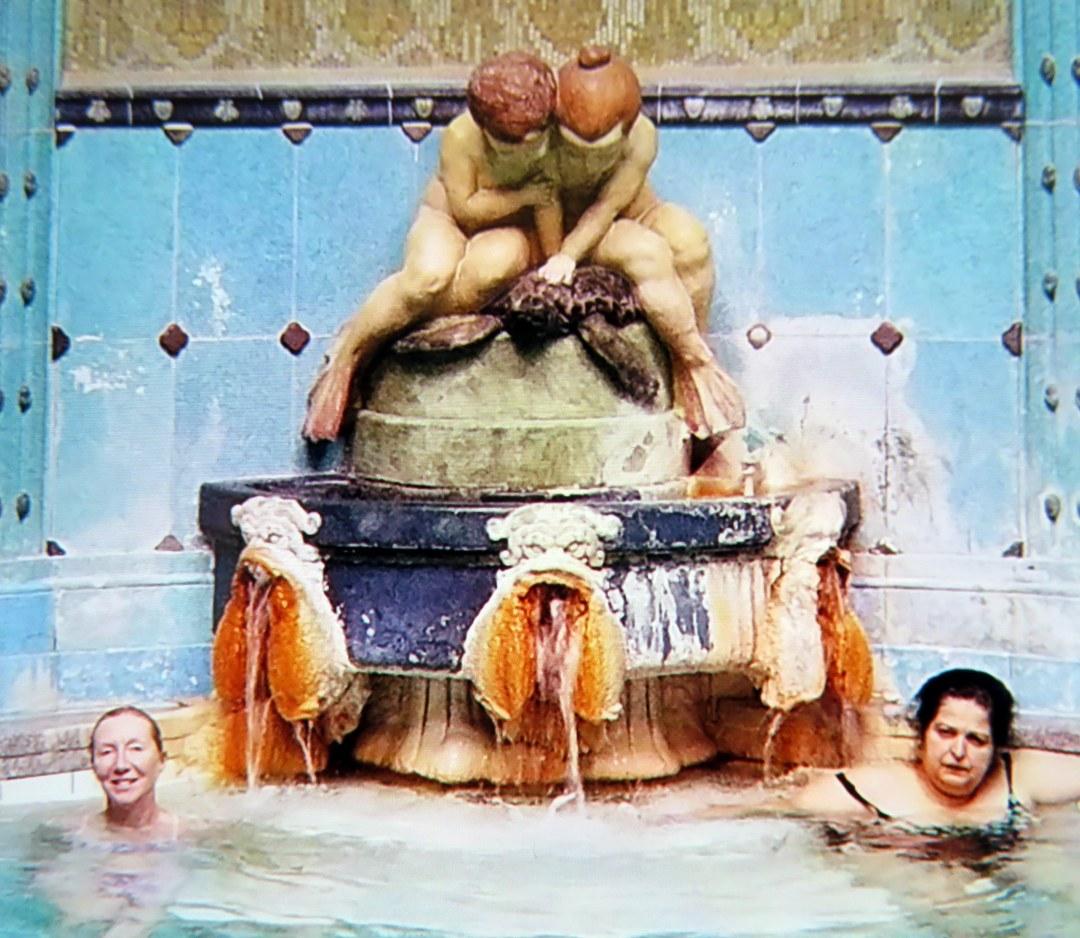 mare-hot-tub