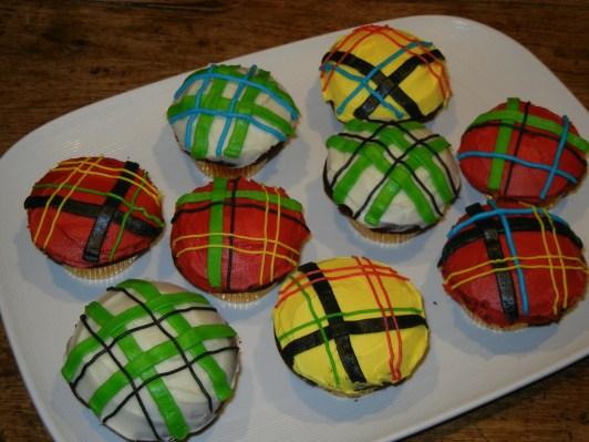 tartan-cupcakes-09