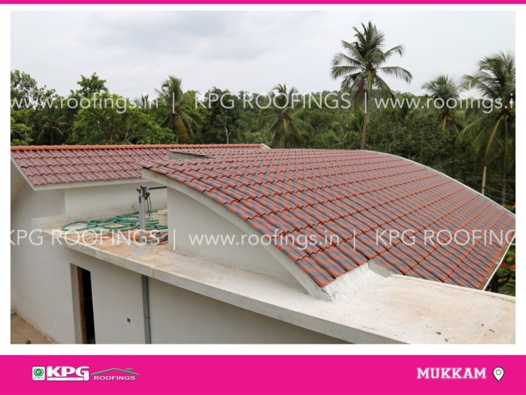 curved roof with roof tile bending