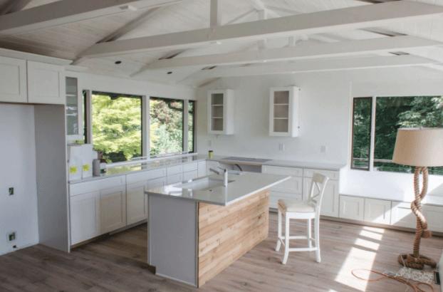 Freshly renovated, modern kitchen