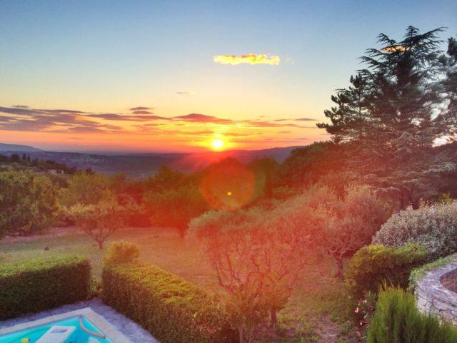 Rooftopantics_travel_france_travelblog_blog_sunset_bonnieux_avignon