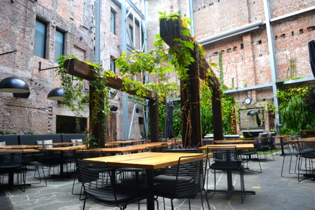 cityguide-newcastle-rooftopantics-the-lucky-hotel