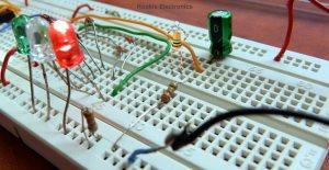 Traffic Lights using 4017 & 555 Timer | Rookie Electronics