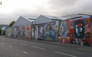 An der International Wall versammeln sich Kunstwerke mit Bezug auf verschiedene Befreiungsbewegungen aus aller Welt.