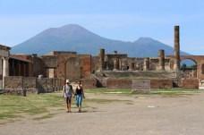 Von Pompeji aus kann man den Vesuv sehen.