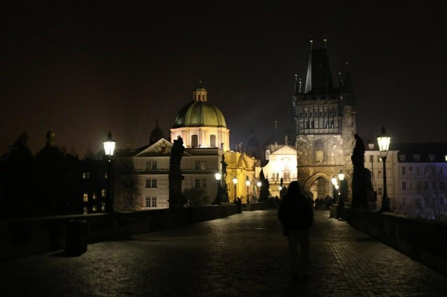 Prag muss man auch einmal bei Nacht gesehen haben.