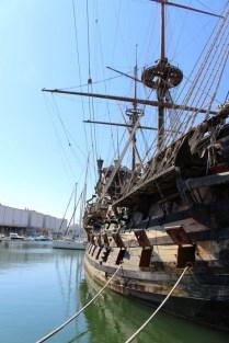 Das Schiff ist recht originalgetreu. Auch die Aussparungen für die nachgebauten Kanonen sind da.