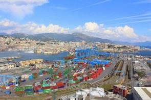Auch der Containerhafen lässt sich gut überblicken.