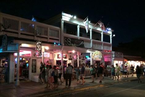 Das Nachtleben in Key West ist ziemlich touristisch aber man kann auch Einheimische treffen.