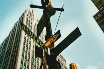 Straßenschild Broadway New York