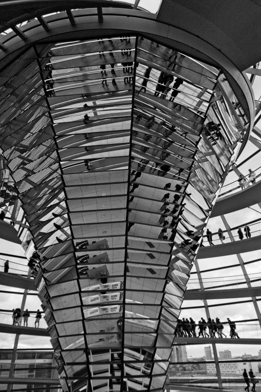 Central reflector with the spiral walkway circling around. Reichstag