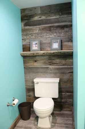 30+ decorative rustic storage projects for your bathroom (34)