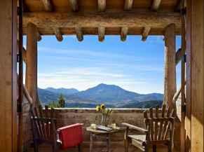 44 rustic balcony decor ideas to show off this season (24)