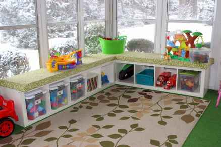 50 ideas for organizing playrooms & kid's spaces (31)